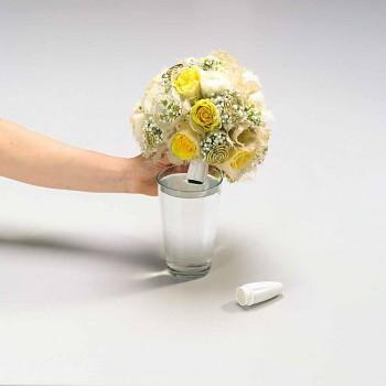 Držák svatební kytice se zásobníkem na vodu