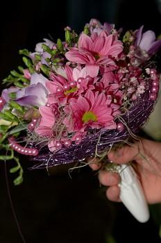 Držák na svatební kytici