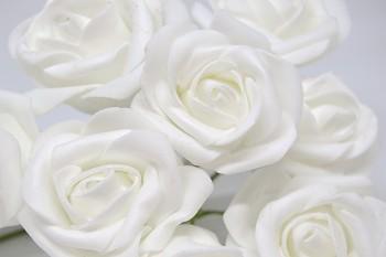 Umělá květina KYTICE RŮŽÍ BÍLÁ