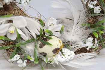 Velikonoční věnec na dveře PEŘÍČKA A VAJÍČKA