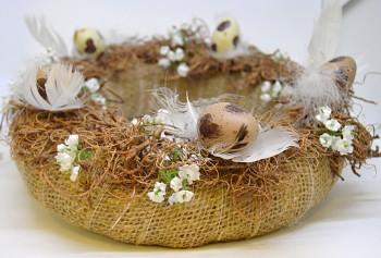 velikonoční věnec hnědé vajíčko