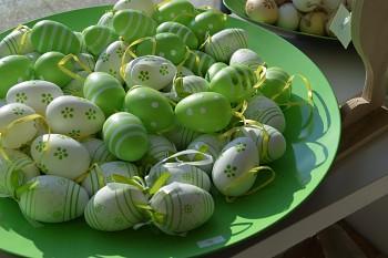 Velikonoční vajíčko BÍLÉ S KVÍTKY