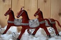 vánoční bytová dekorace houpací koník